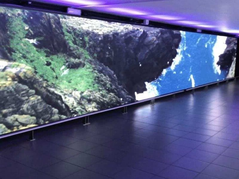 DYNAMO LED DISPLAYS INSTALL AMAZING TUNNEL EXPERIENCE AT DUBLIN AIRPORT